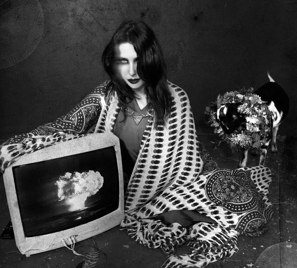 Chelsea Wolfe - The Waves Have Come