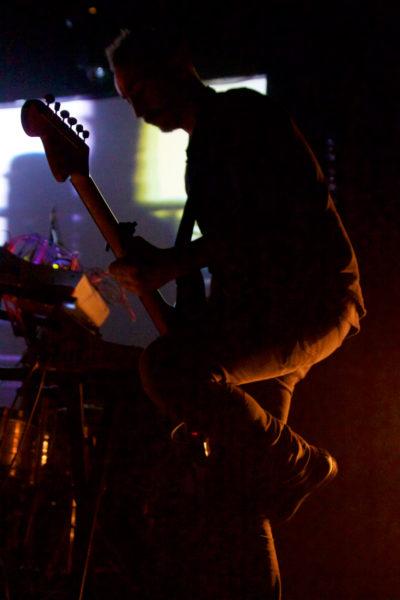 Stephane PIGNEUL à la guitare