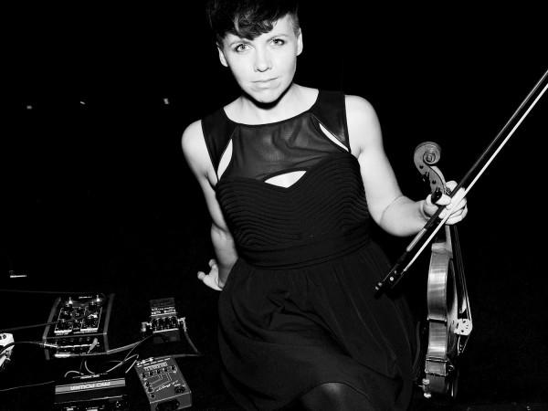 Encore un nouvel album pour Sarah Neufeld (Arcade Fire)