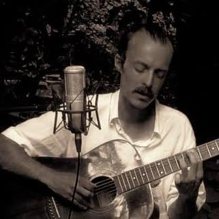 Ali Veejay – Depeche Folk