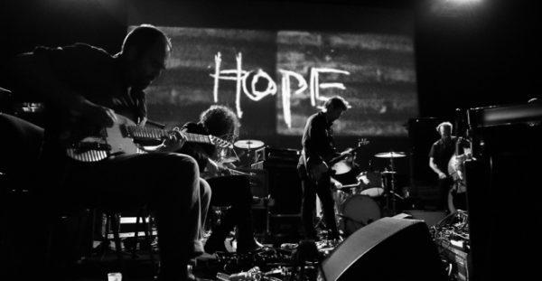 Godspeed You ! Black Emperor dévoilent un premier titre