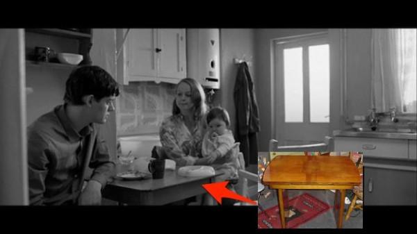A table... avec Ian Curtis !