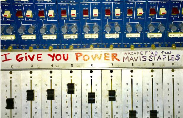 """Arcade Fire publie """"I Give You Power"""", nouveau titre anti-Trump..."""